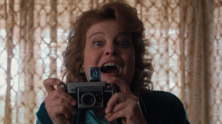 Why Dustins Mom From Stranger Things Looks So Familiar