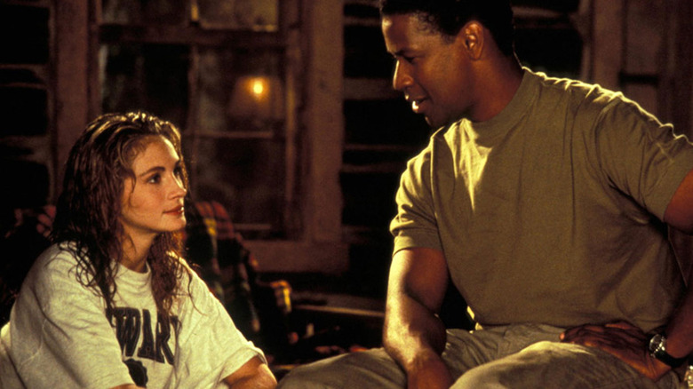 Julia Roberts and Denzel Washington in The Pelican Brief