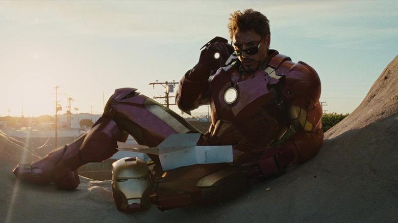 Stark lounging