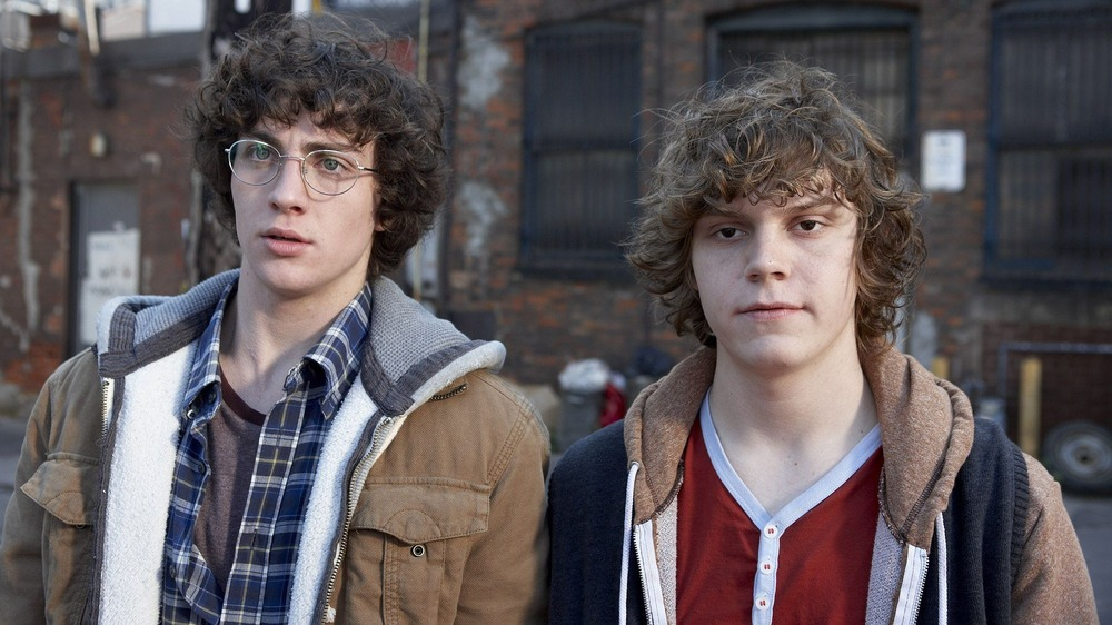 Aaron Taylor-Johnson and Evan Peters in Kick-Ass