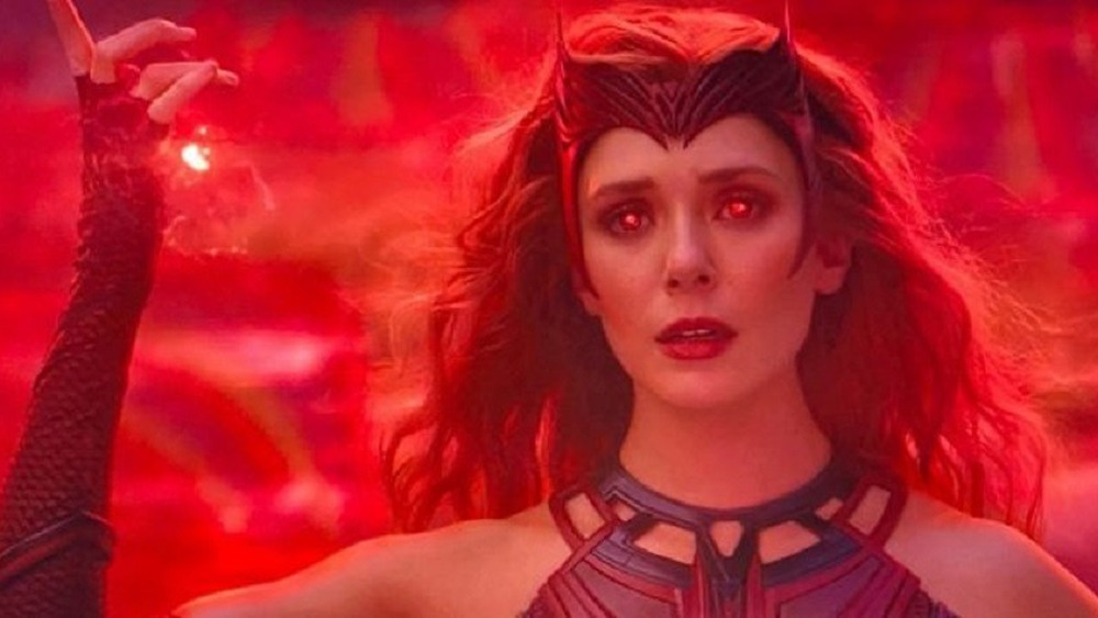 Scarlet Witch using powers