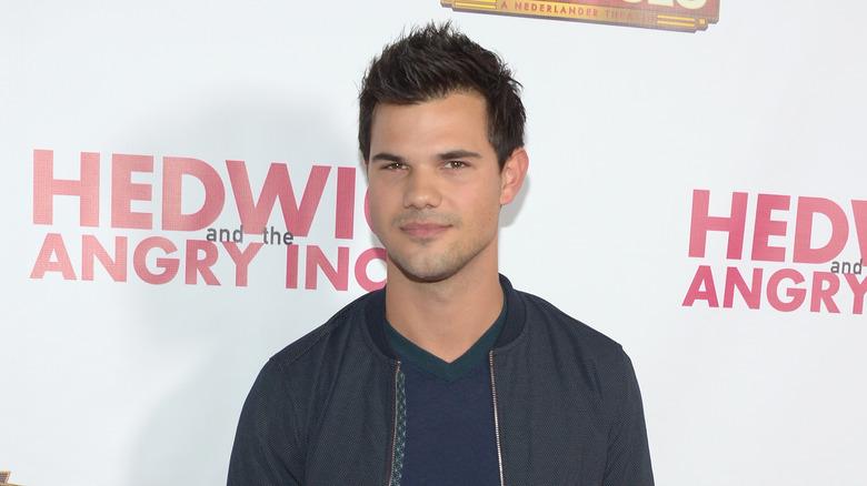 Taylor Lautner gray jacket
