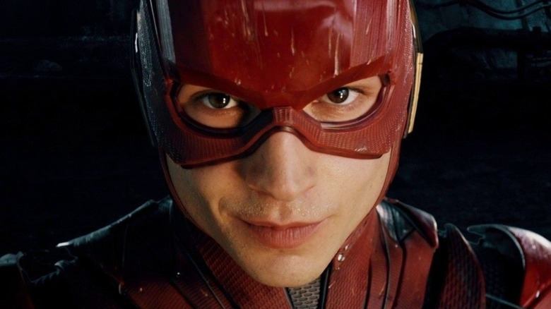 The Big DC Detail You Missed In The Flash's New Snyder Cut Scene