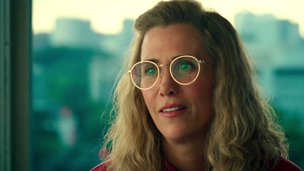 Barbara Minerva in glasses during Wonder Woman 1984