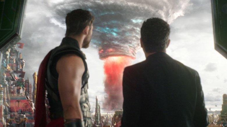 Chris Hemsworth and Mark Ruffalo in Thor: Ragnarok