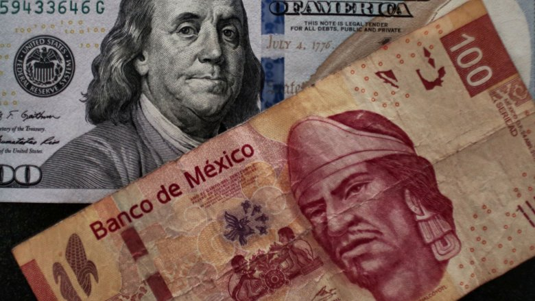 American and Mexican currency