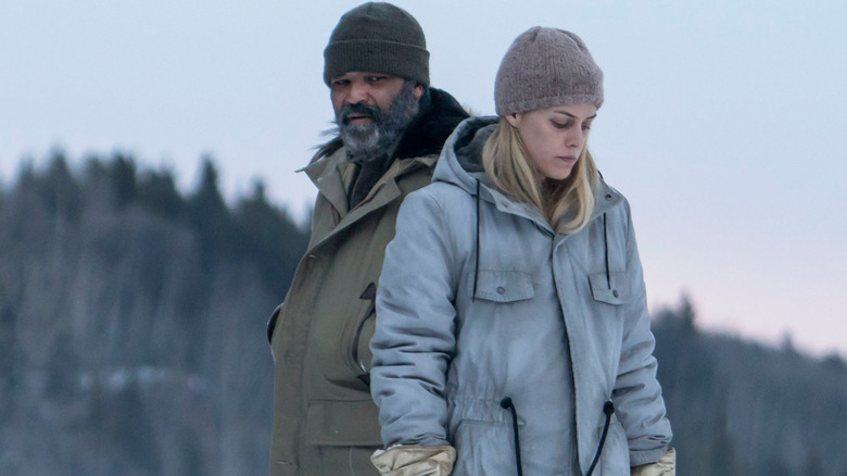 Jeffrey Wright and Riley Keough in Hold the Dark