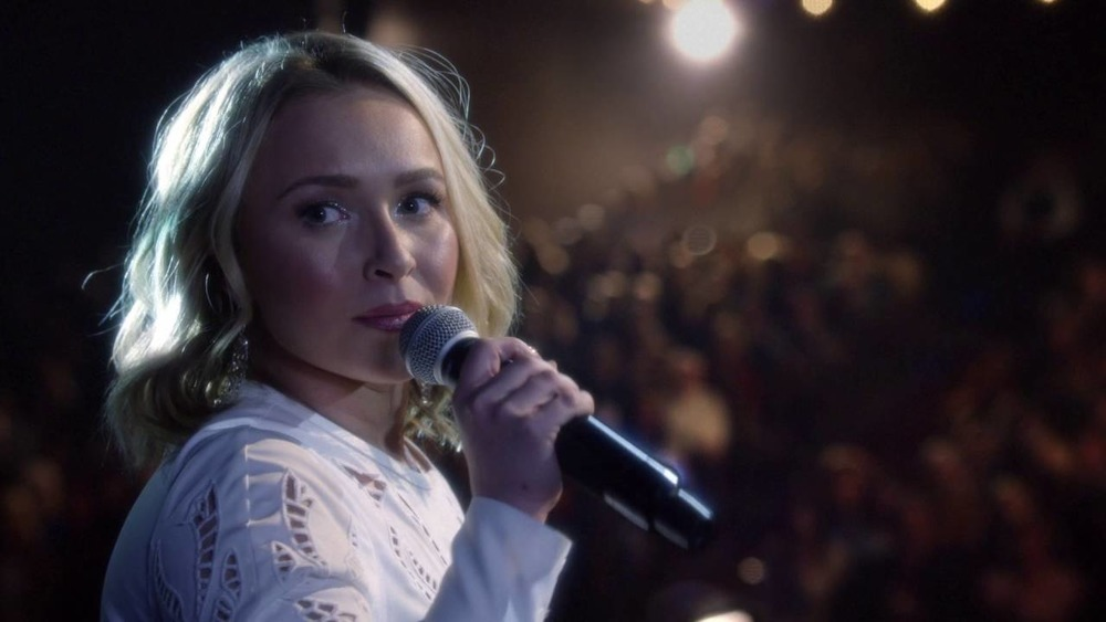 Hayden Panettiere singing