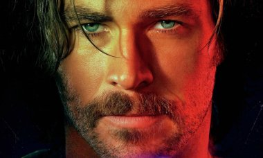Bad Times at the El Royale character poster Chris Hemsworth